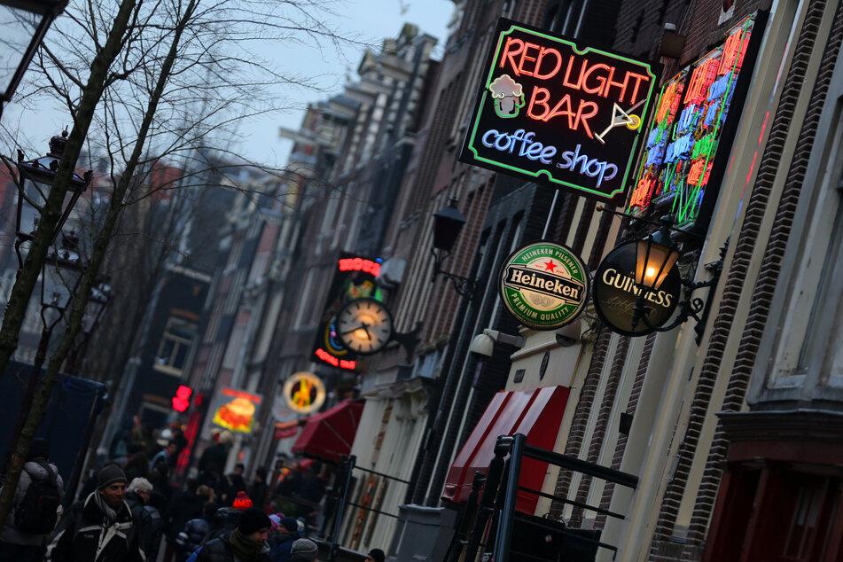 Die Coffeeshops in Amsterdam dürften für ausländische Touristen bald unattraktiver werden.