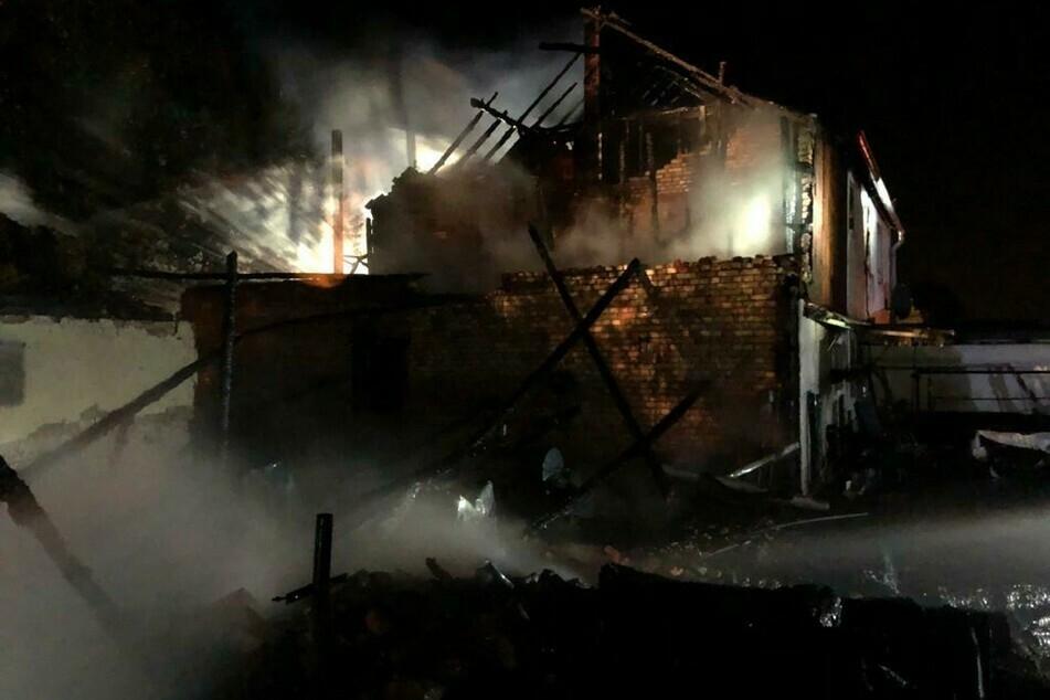 Mitte August brannte im Halsbrücker Ortsteil Krummenhennersdorf eine Scheune komplett nieder. Nun wurde der mutmaßliche Brandstifter festgenommen.