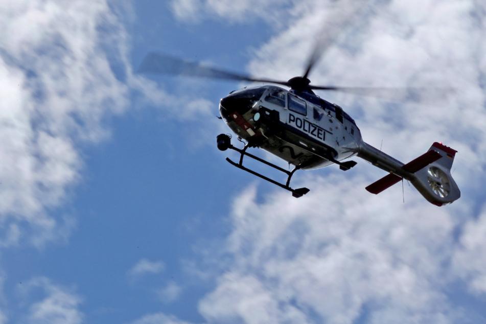 Auf Bahngleisen umhergeirrt: Polizei rettet Mann mit Hubschrauber vor dem Erfrieren