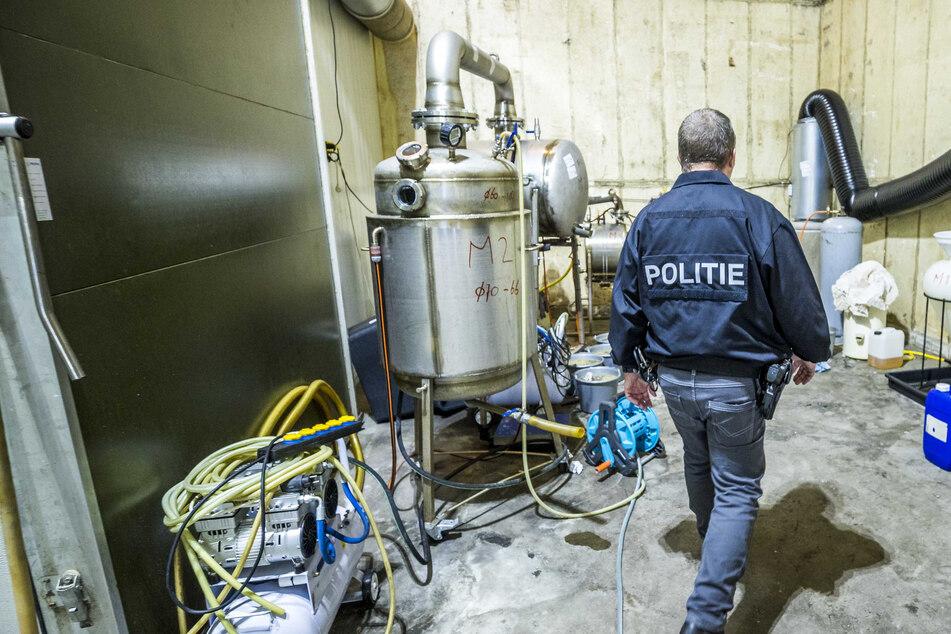 Schlag gegen Drogen-Kriminalität: Polizei entdeckt riesiges Crystal-Meth-Labor