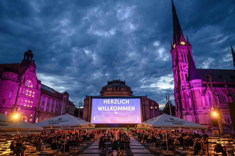 Damit auch im Sommer 2021 große Blockbuster über die Leinwand flimmern, bitten die Veranstalter der Filmnächte Chemnitz nun um Spenden.