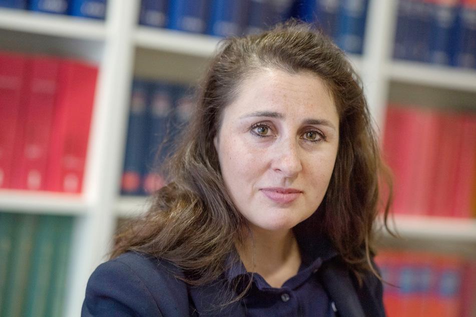 Auch die Frankfurter Rechtsanwältin Seda Basay-Yildiz (45) hat nach eigenen Angaben mehr als ein Dutzend Drohschreiben erhalten.