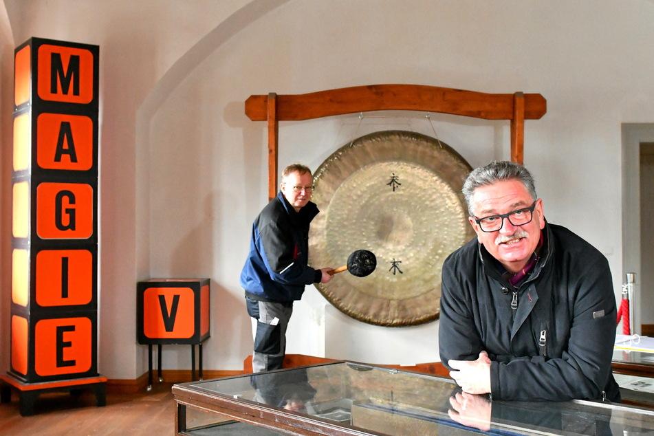 Im Museum steht auch noch der große Gong, mit dem der weltberühmte Magier Marvelli seine Shows eröffnete.