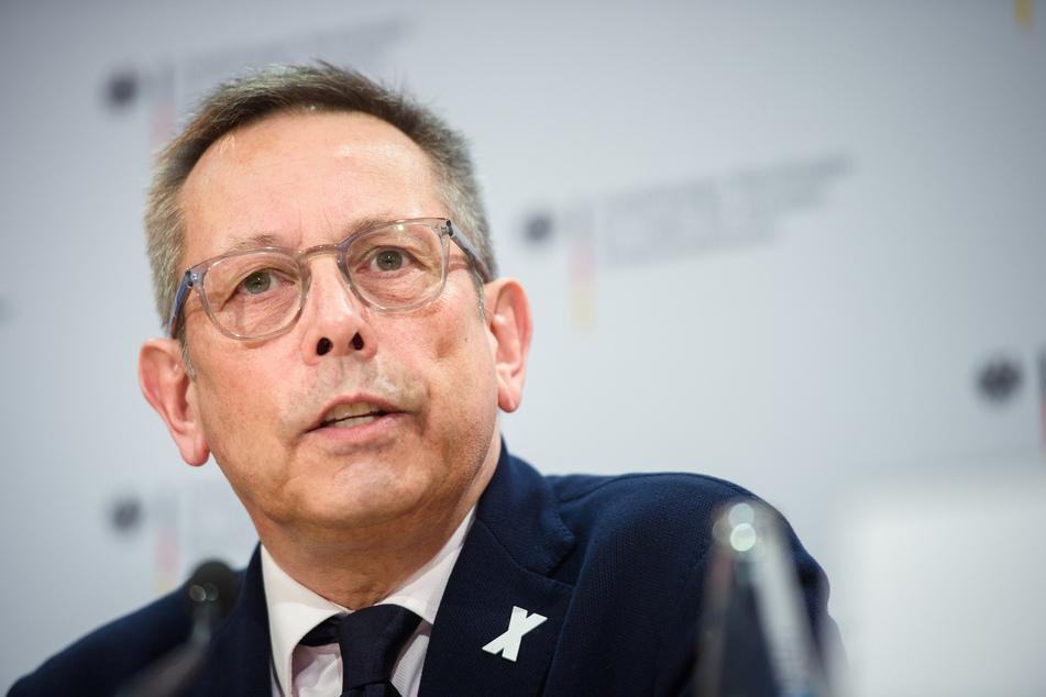 Johannes-Wilhelm Rörig, Unabhängiger Beauftragter für Fragen des sexuellen Kindesmissbrauchs, spricht während einer Pressekonferenz.