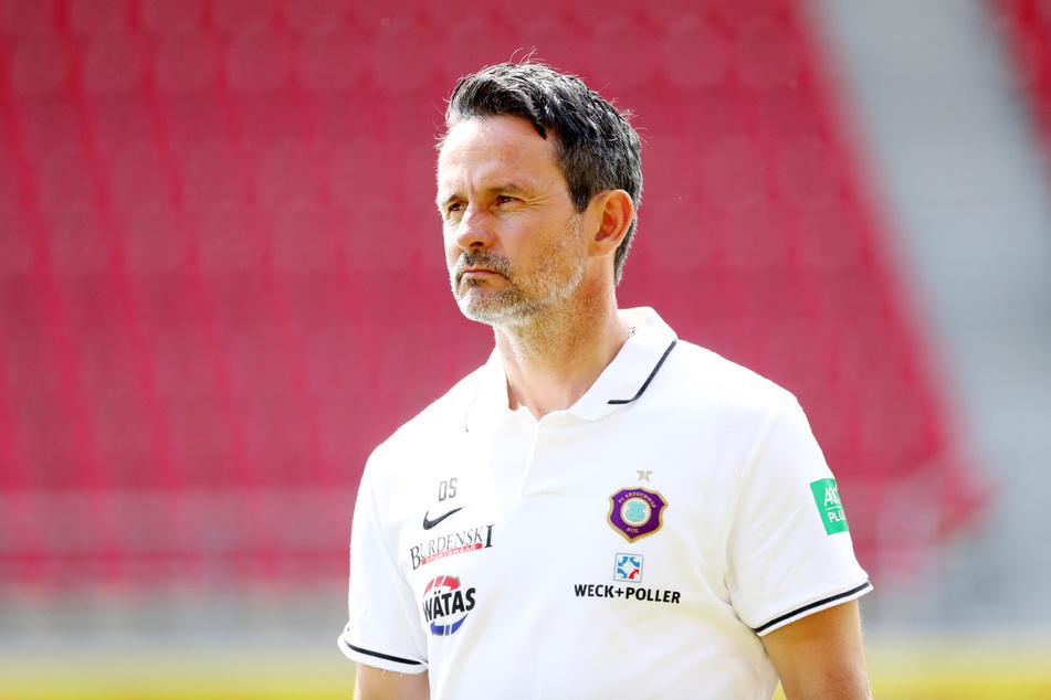 """Für Aue-Coach Dirk Schuster ist Florian Krüger eine """"Lebensversicherung""""."""