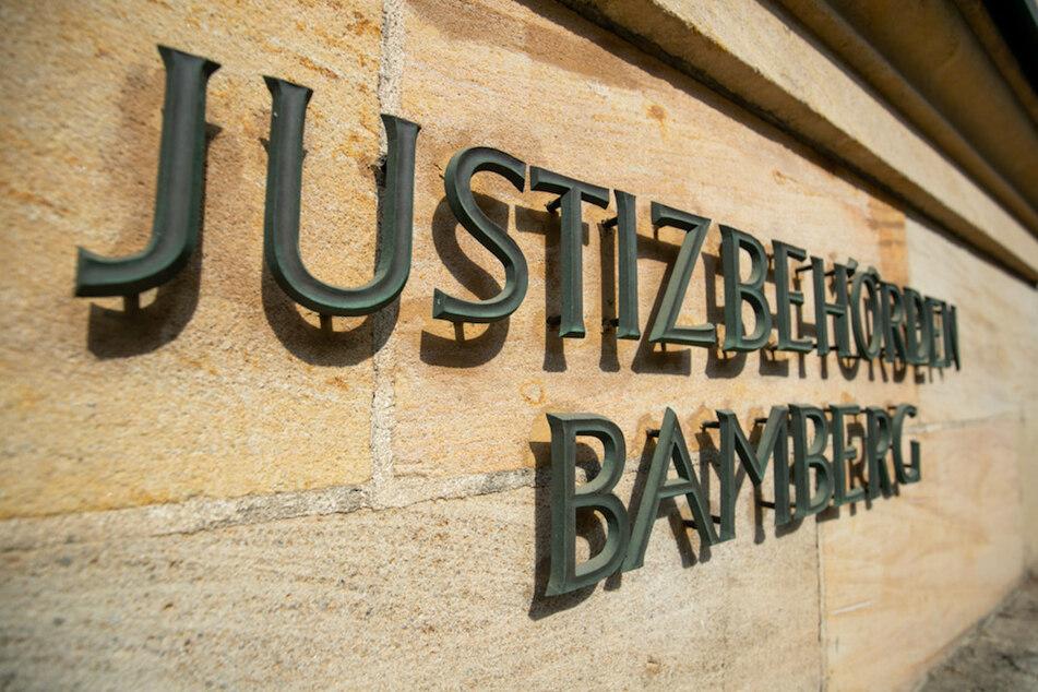 Der Prozess gegen den 26-Jährigen, der mit einer großen Haushaltsschere fünf Menschen bedrohte, fand in Bamberg statt.