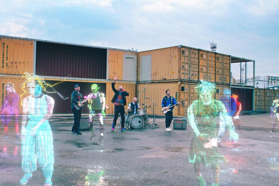 Rund anderthalb Jahre nach ihrem letzten Studioalbum meldet sich die britische Band Coldplay mit einem neuen Song zurück.