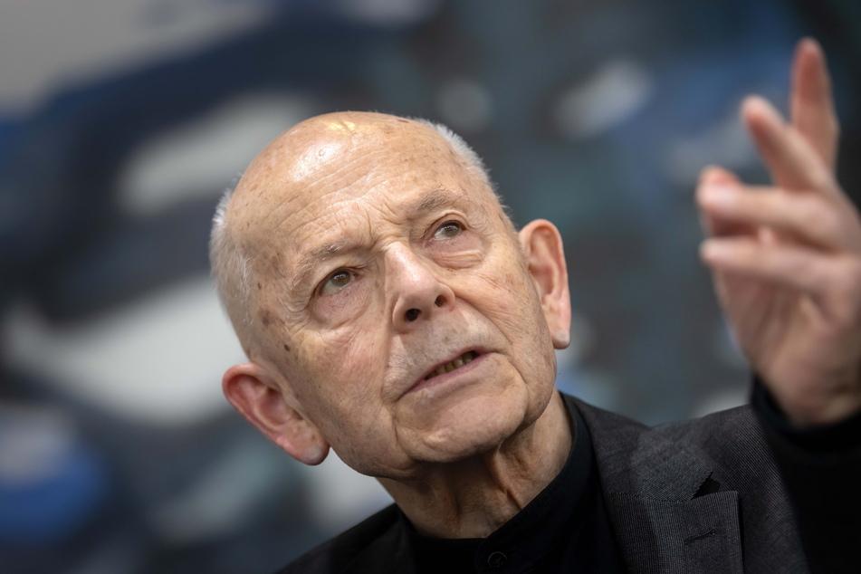 Max Uhlig (84) war bereits in der DDR ein bekannter und gefragter Künstler.