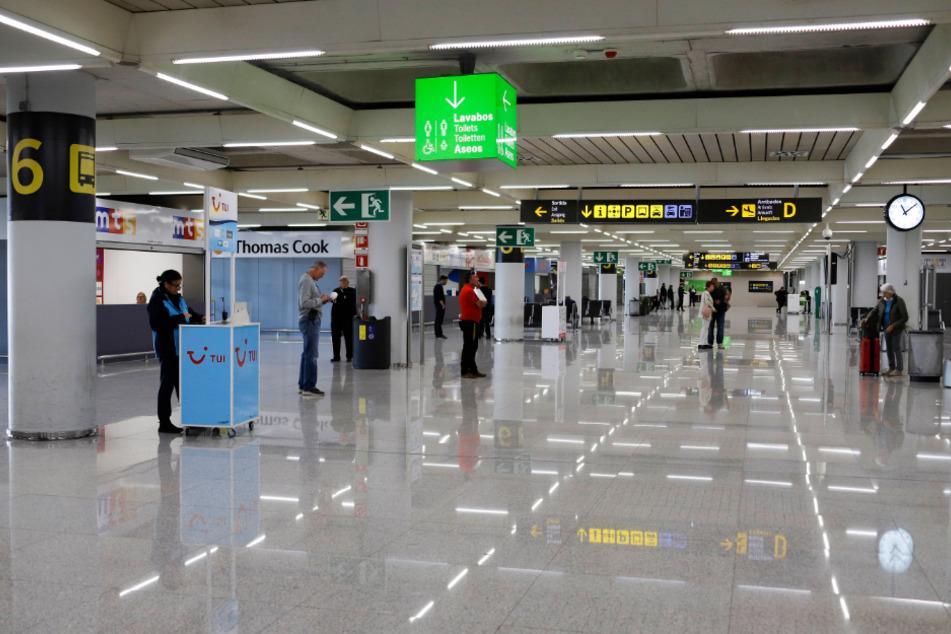 Der Flughafen von Palma de Mallorca ist fast leer, nachdem der Coronavirus-Alarmzustand erklärt wurde.