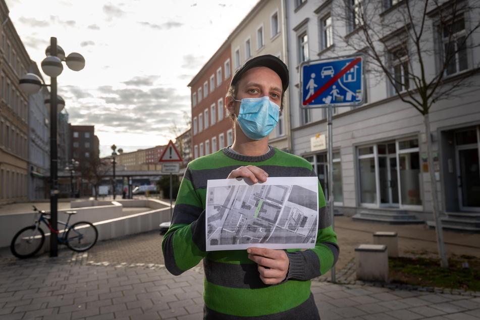 Christian Neubauer (32) hat auf einer Karte die 100 Meter markiert, auf denen die Maskenpflicht gilt.