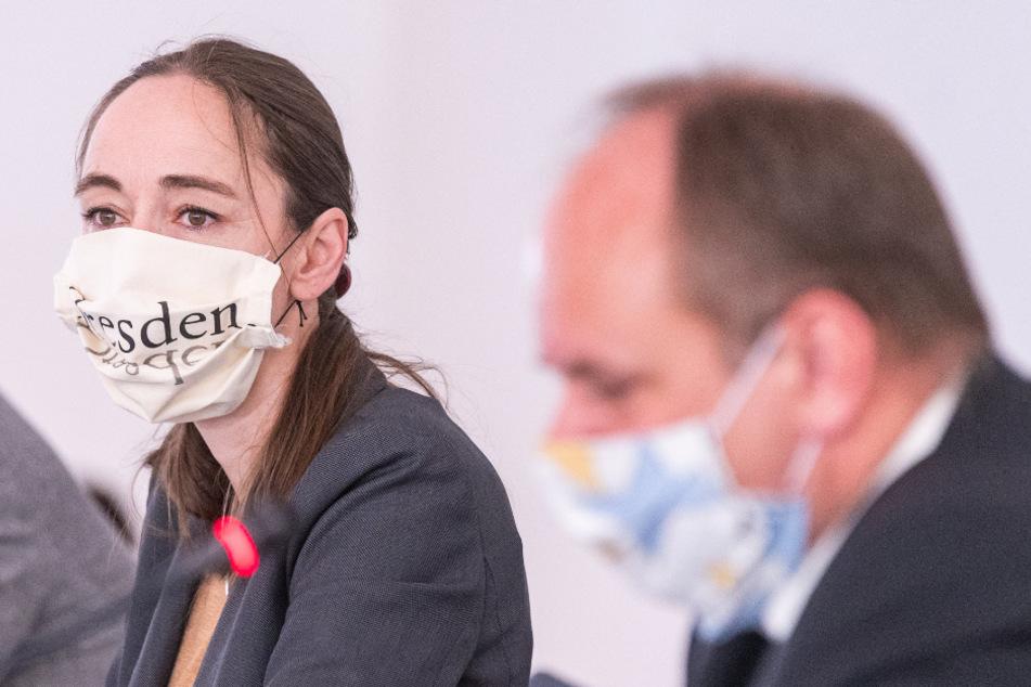 Mit Mundschutz: Sozialbürgermeisterin Kristin Kaufmann (44, Linke) und OB Dirk Hilbert (48, FDP).