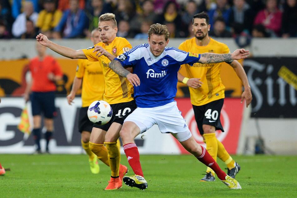 Luca Dürholtz (27, l.) spielte von 2014 bis 2016 42 Mal für Dynamo Dresden, erzielte zwei Tore und gab sieben Assists. (Archivbild)