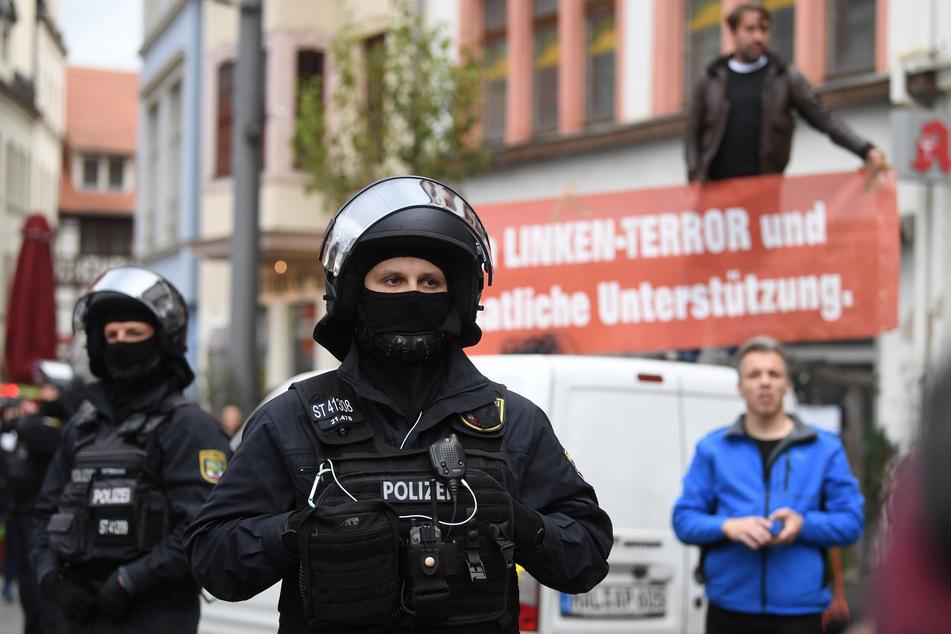 Rechtsextremist Sven Liebich stört Gedenken an Halle-Opfer: Polizei verweist auf Versammlungsrecht