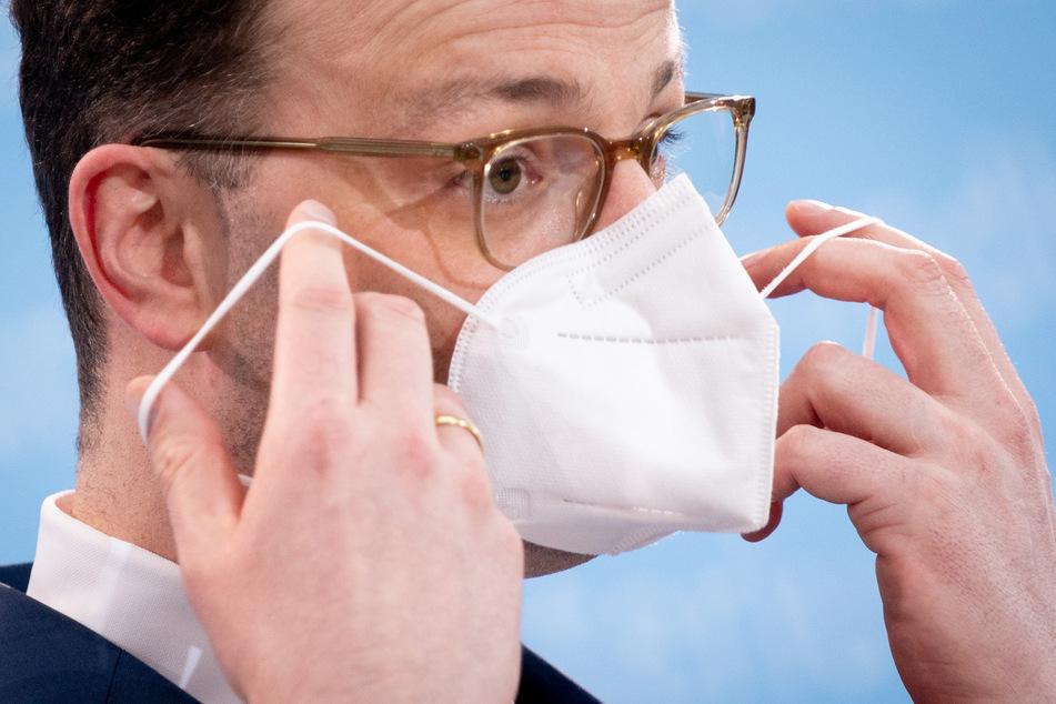 Jens Spahn (40, CDU), Bundesminister für Gesundheit, wird scharf für sein Vorgehen in der Coronakrise kritisiert.
