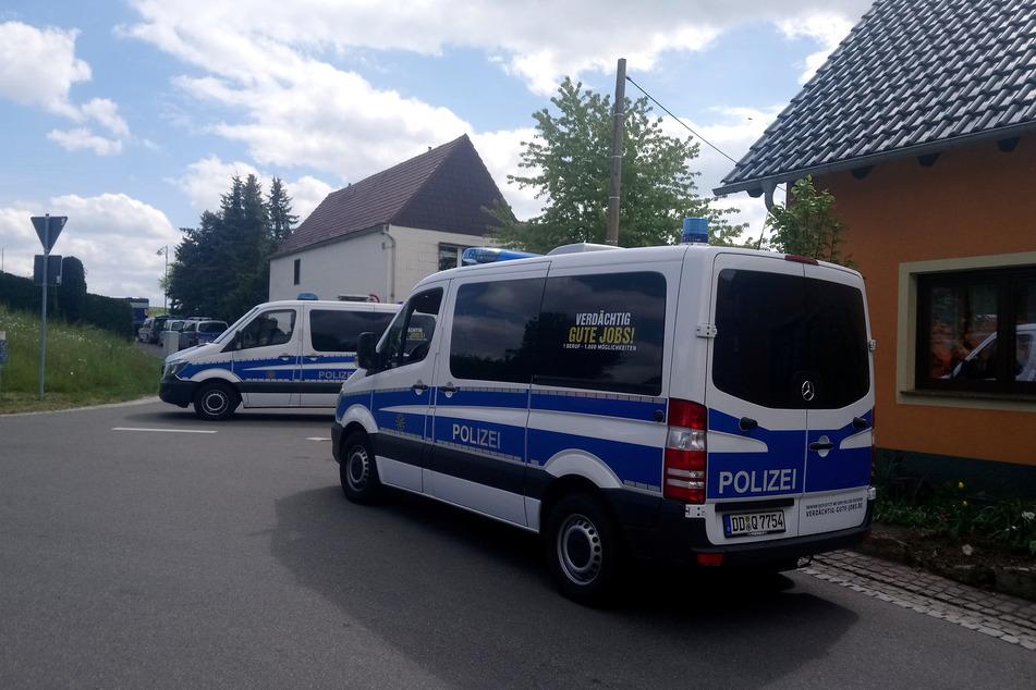 Mitte Mai durchkämmten Einsatzkräfte in Collm (Nordsachsen) das Anwesen von Philipp S. (45).