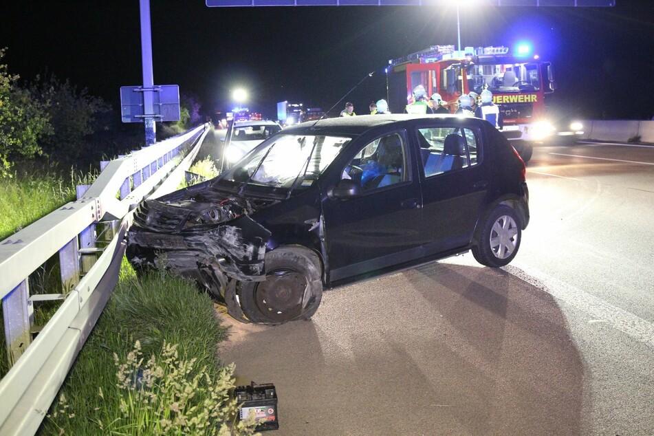 Der Fahrer soll einem Reh ausgewichen sein und dadurch die Kontrolle über sein Auto verloren haben.