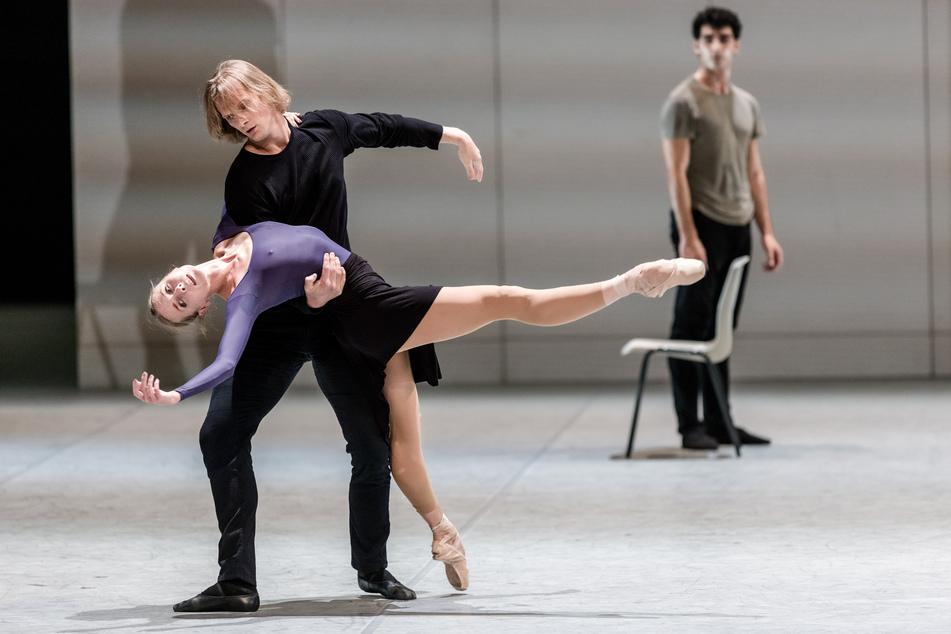 """Die Tänzer Anna Laudere und Edvin Revazov tanzen auf der Fotoprobe von """"Ghost Light"""""""