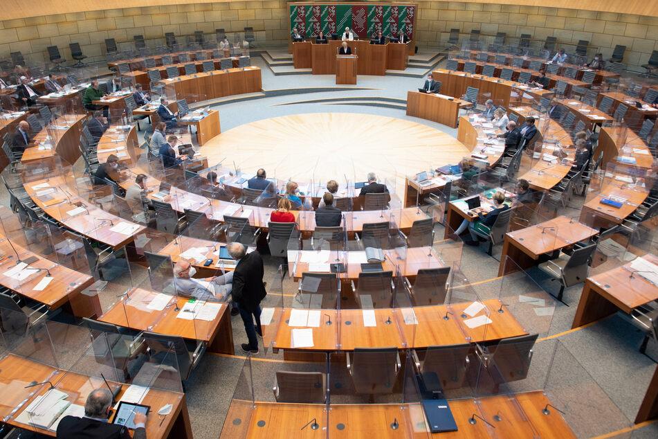 Der NRW-Landtag in Düsseldorf will am Mittwoch die Diätenerhöhung beschließen.