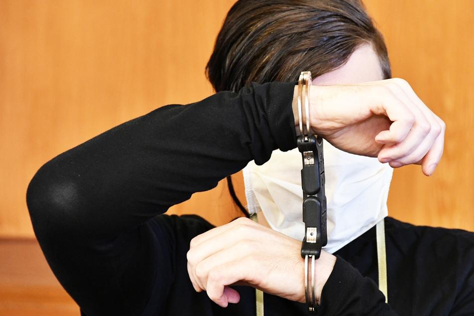 Missbrauchs-Anklage: Er verführte Schulmädchen auf dem Auto-Rücksitz!