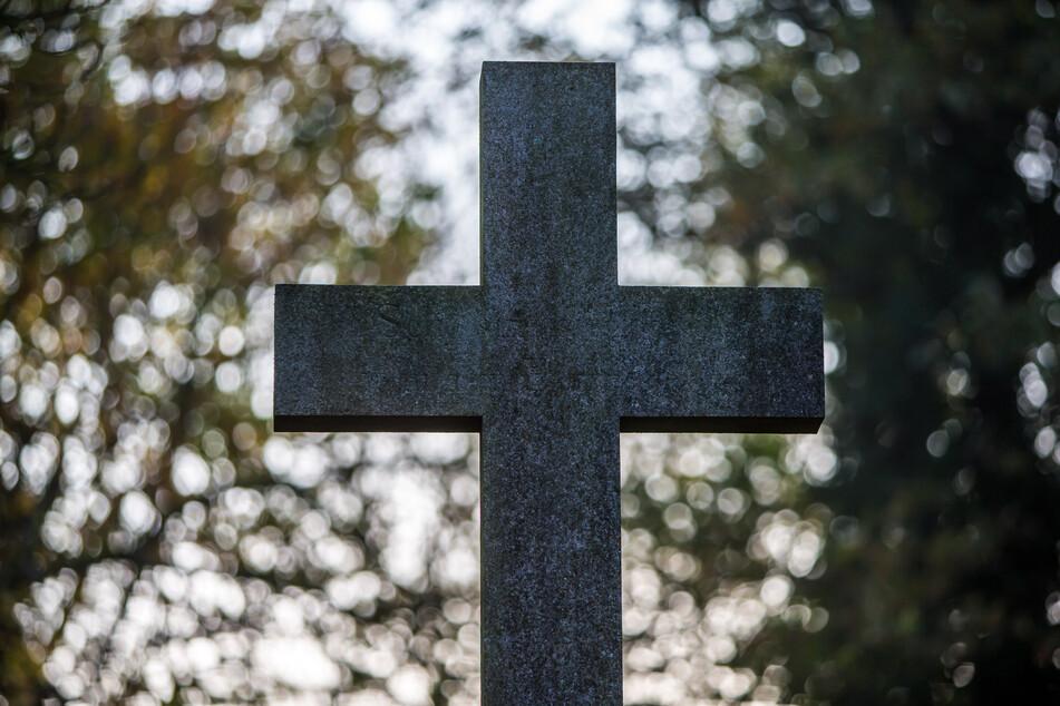 Auch Beerdigungen können ab Montag nur noch eingeschränkt in Leipzig stattfinden.