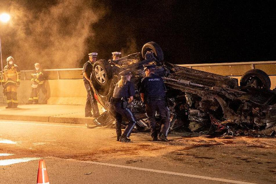 Tödlicher Frontal-Crash: Nicht angemeldetes Auto kracht in Gegenverkehr