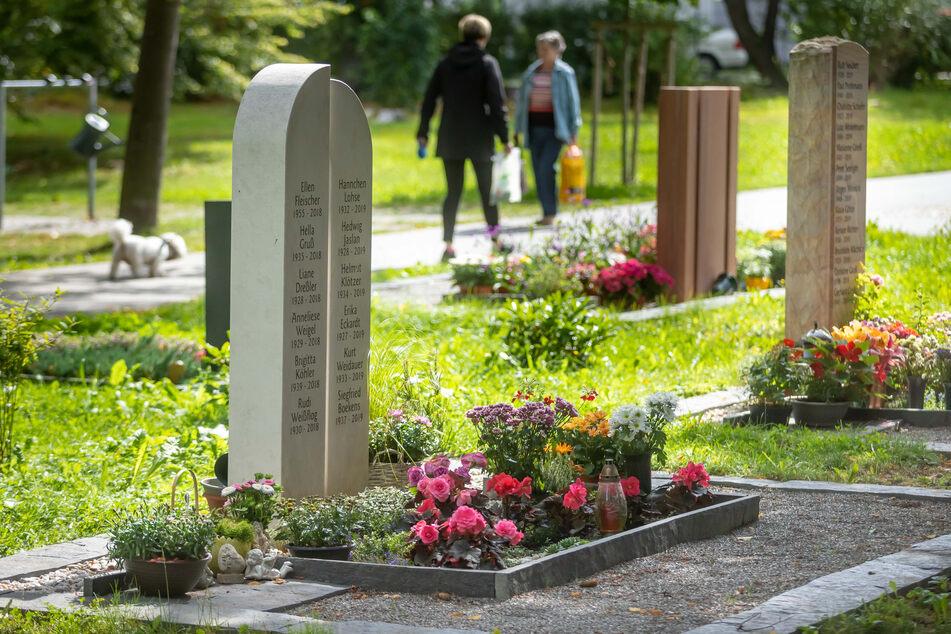 Der Städtische Friedhof in Annaberg-Buchholz ist eine würdige Ruhestätte und lädt durch Parkcharakter zum Verweilen ein.