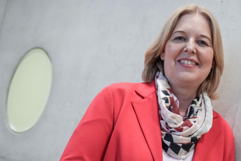Schäuble offiziell abgelöst: Sie ist die neue Präsidentin des Bundestages!