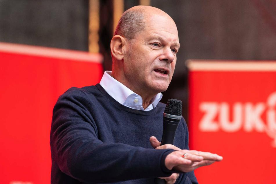 SPD-Kanzlerkandidat Olaf Scholz (63) hat die Klimaaktivisten bei einer Wahlkampfveranstaltung in Münster erneut dazu aufgerufen, den Hungerstreik zu beenden.