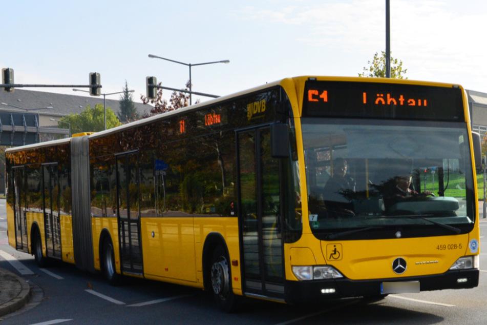 Unfall am Großen Garten: Bus muss plötzlich bremsen, drei Menschen verletzt