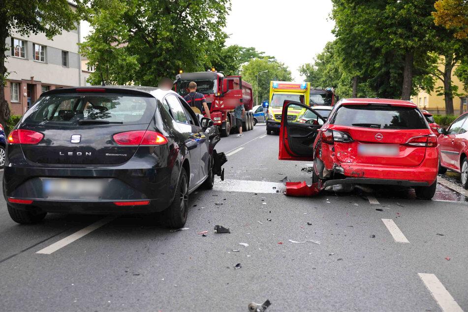 Zwei Personen wurden dabei verletzt.