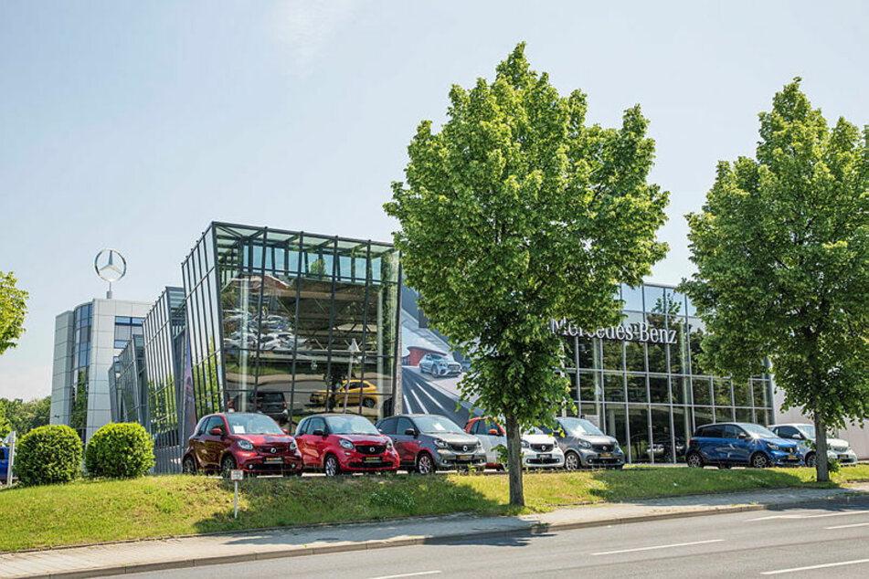 Auch hier bei Stern-Auto in Dresden soll heute gestreikt werden. Auf der Dohnaer Straße will die IG Metall eine Menschenkette bilden.