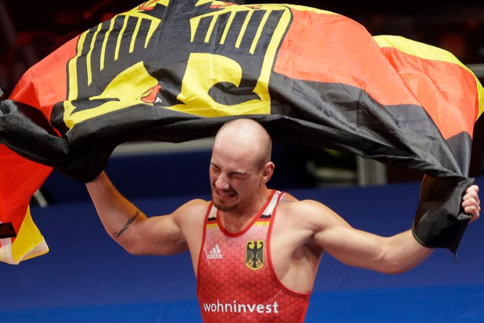 Frank Stäbler wird sein Karriereende aufgrund der Olympia-Verlegung noch herauszögern.