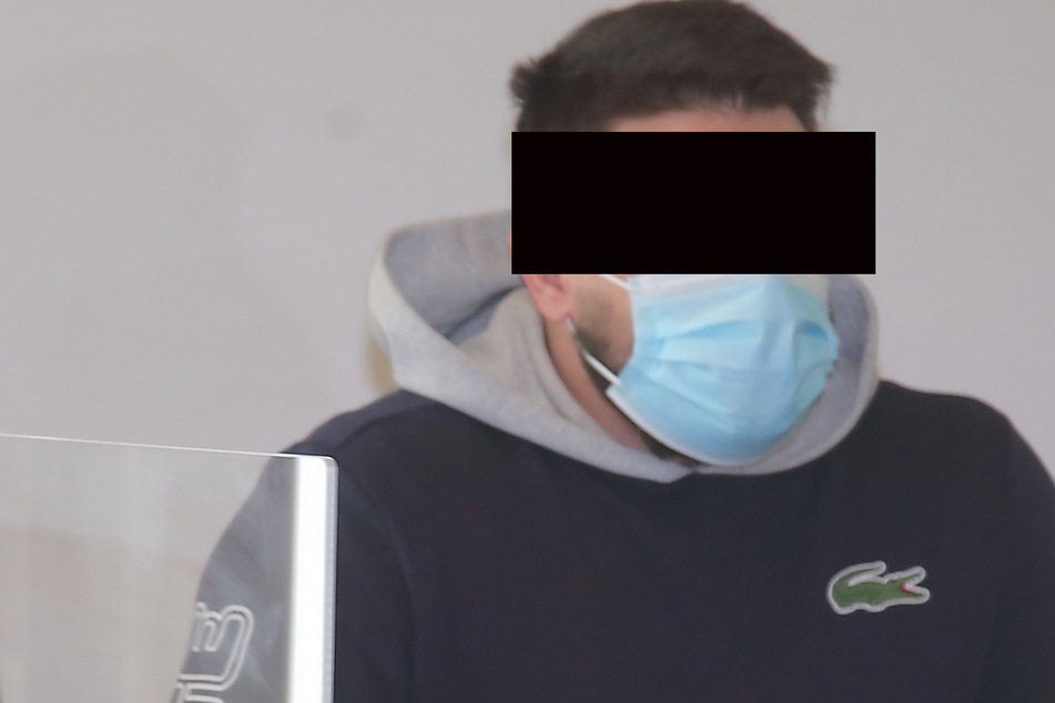Drogendealer Sandor S. (32, Haft) muss mehr als sechs Jahre hinter Gitter. Er hatte bei der Razzia kiloweise Crystal aus dem Fenster geworfen.