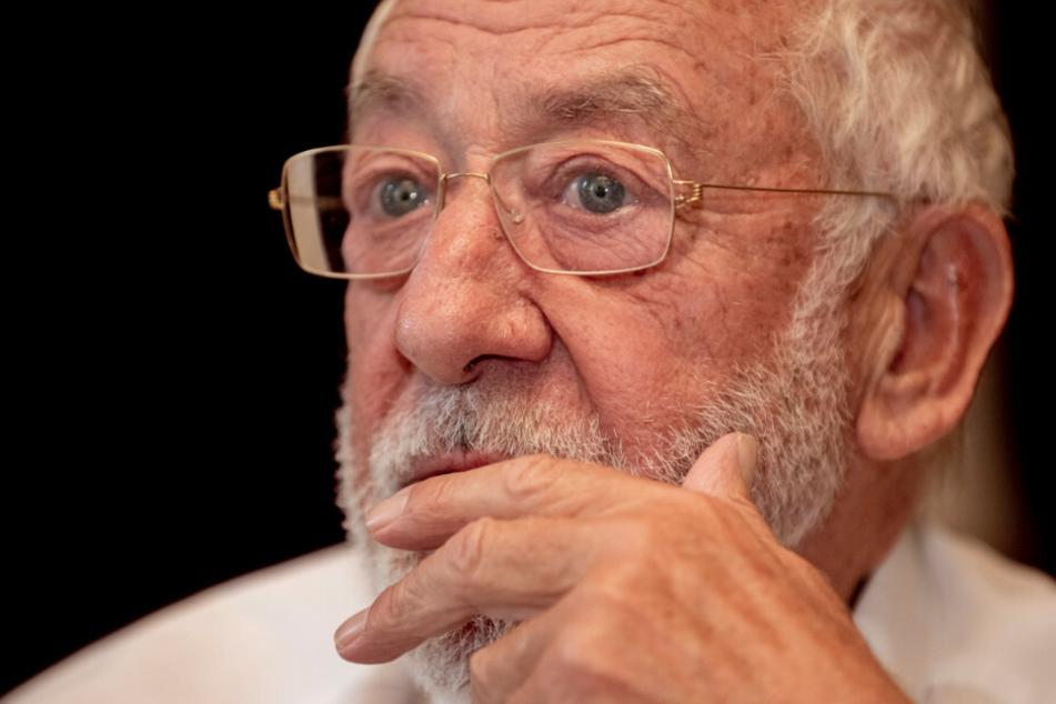 """Bekannt geworden ist Dieter Hallervorden (85) zwar als Komödiant, doch in Filmen wie """"Sein letztes Rennen"""" oder """"Honig im Kopf"""" hat er auch seine Fähigkeiten als Charakterdarsteller unter Beweis gestellt."""