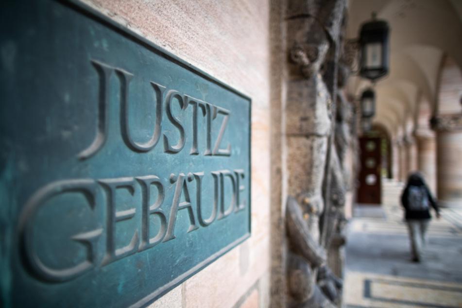 Das Landgericht Nürnberg-Fürth muss beurteilen, wie ernst die im Internet geteilten rechten Phantasien zu beurteilen sind.