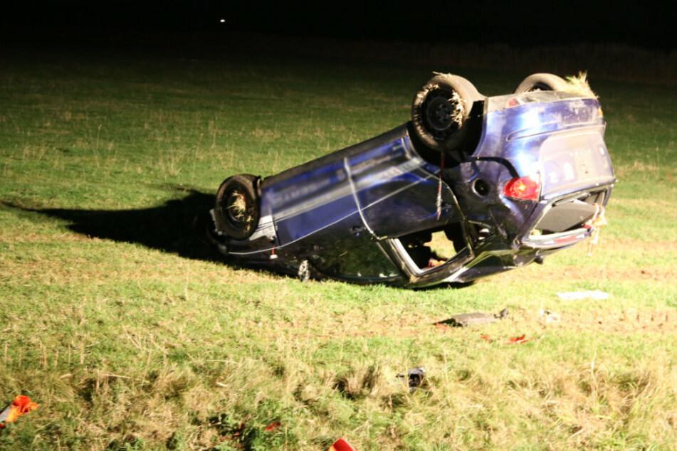 Horror-Crash in Thüringen: Mann wird aus Auto geschleudert und stirbt