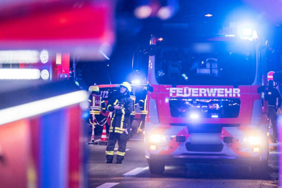 Frankfurt: Feuer in Frankfurter Wohnhaus: Acht Menschen aus viertem Stock gerettet