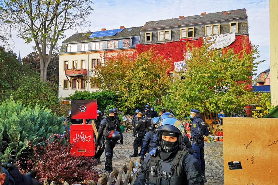 Die Polizei verließ das Haus zügig wieder ohne Besetzer. Was war los?