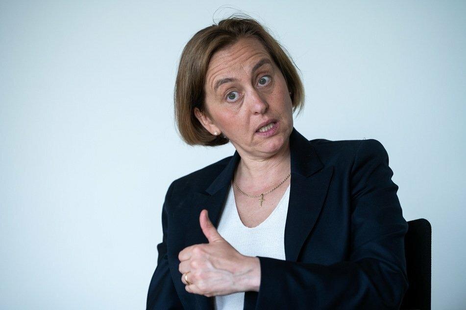 AfD-Chefin Beatrix von Storch (50) ist empört: Die Stadt München würde versuchen, gegen Ungarns Regierung zu hetzen.