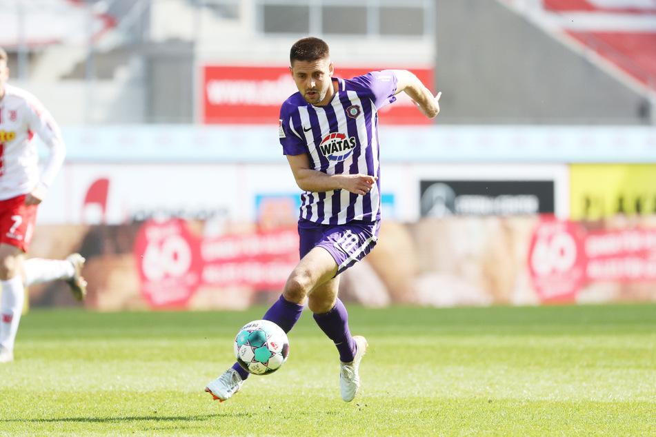 Dmitrij Nazarov (31) erzielte in Darmstadt sein bisher letztes Tor für die Violets im 1: 4.  Gegen St. Pauli will er sich am Samstag verbessern.