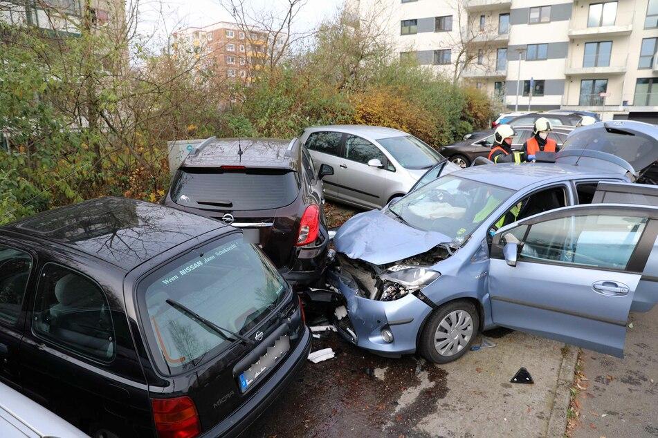 """Rentner auf Parkplatz: """"Wie von Teufelshand gesteuert"""" - vier Autos beschädigt"""