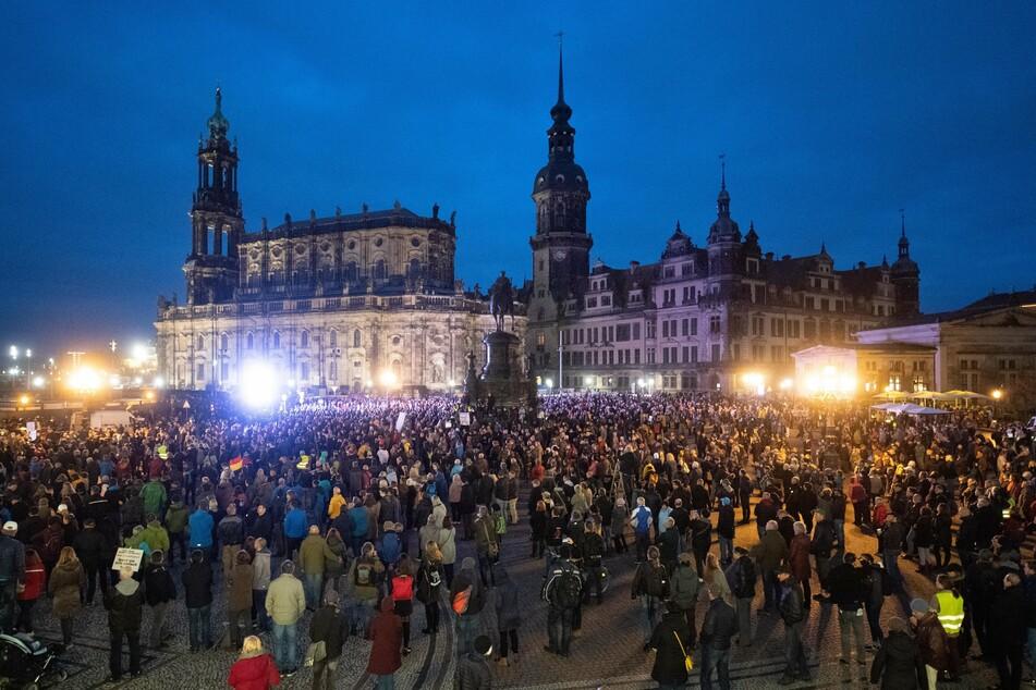 """In Dresden fand am vergangenen Wochenende ebenfalls eine """"Querdenken""""-Demo statt."""