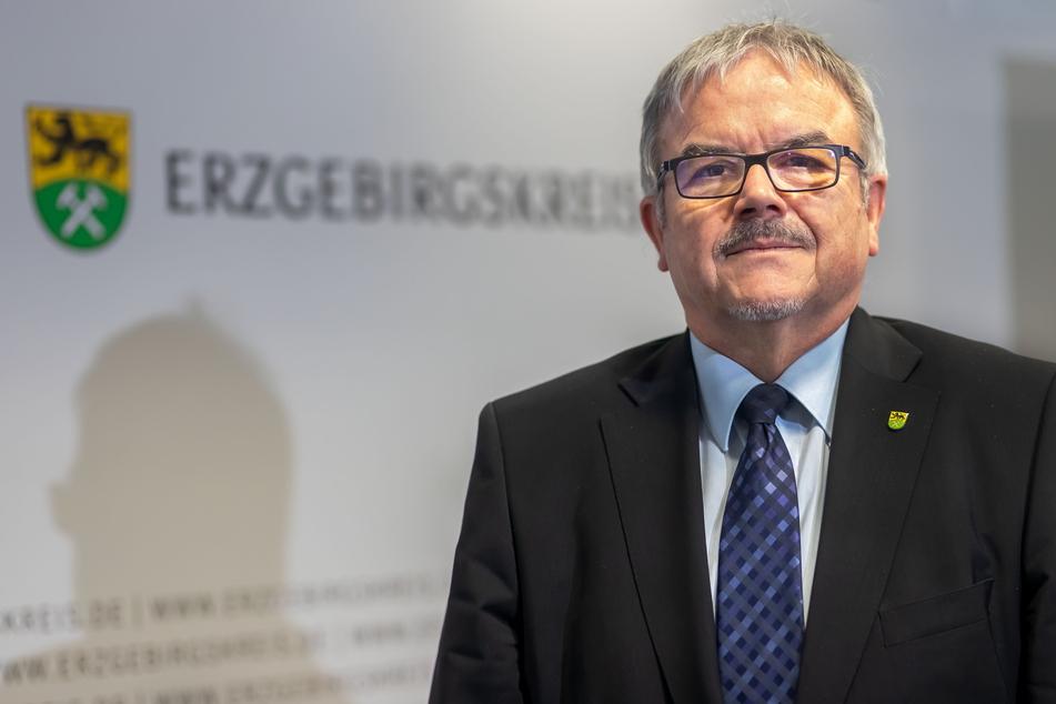 Landrat Frank Vogel (64, CDU) freut sich über die positive Entwicklung der Corona-Zahlen.