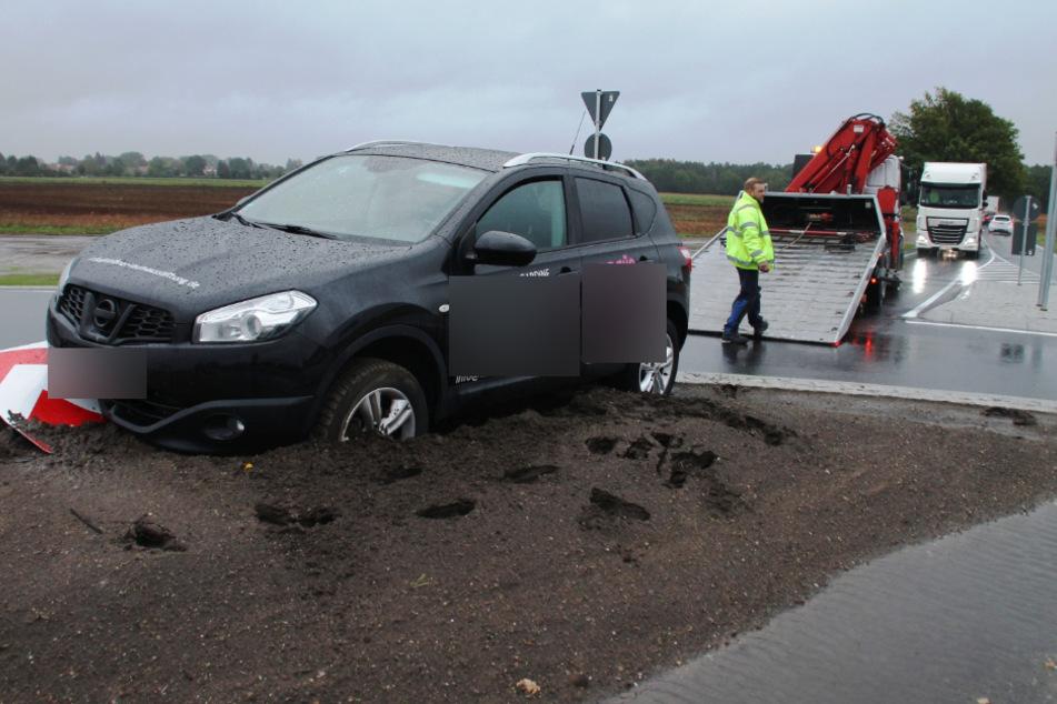 Neuer Kreisverkehr an Unfallschwerpunkt: Kaum fertig, knallt's!