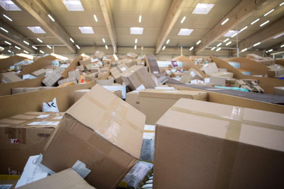 Der Versandhandel legt stetig zu, damit gibt es aber auch mehr Retouren. (Archivbild)