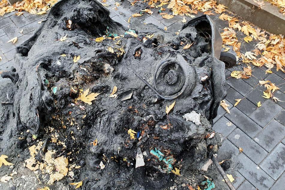 Die Mülltonne in der Stollberger Straße brannte komplett ab.