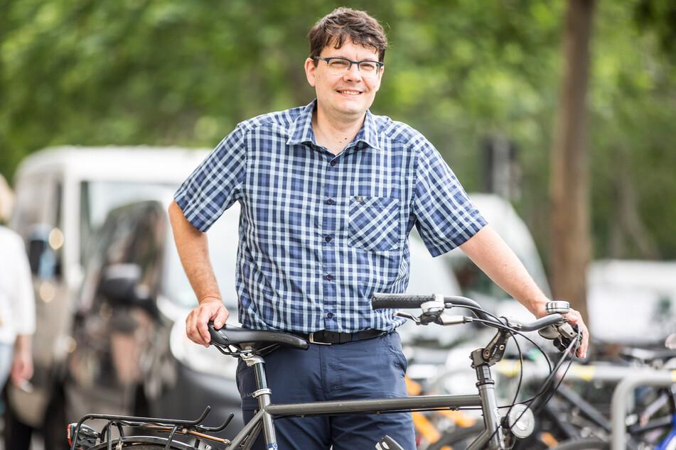 ADFC-Geschäftsführer Edwin Seifert (48) kritisiert die Verkehrssituation am Blauen Wunder.