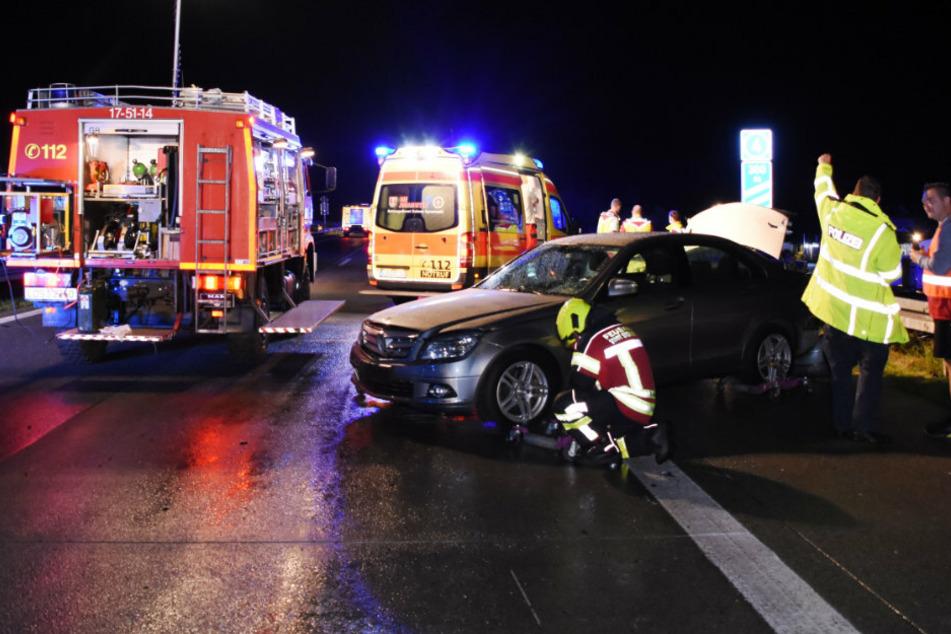 Berlin: Auto rammt Autotransporter auf der A12: Fahrer verletzt