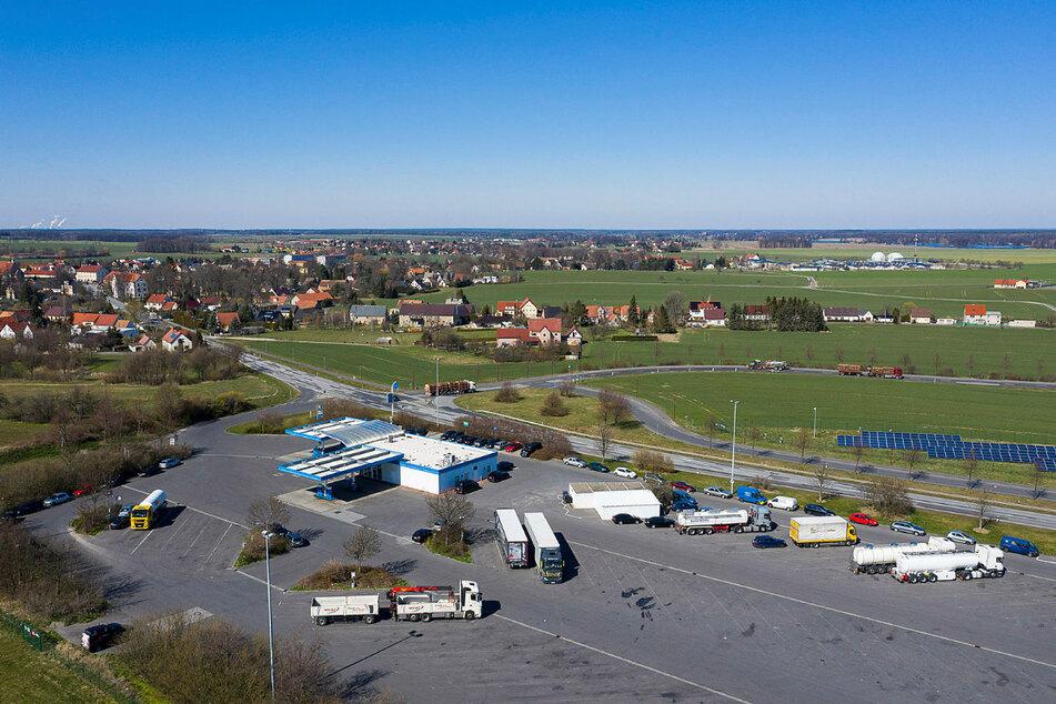 In Kodersdorf können die Fernfahrer noch parken, essen und duschen. Andere Rasthöfe haben komplett dicht gemacht.