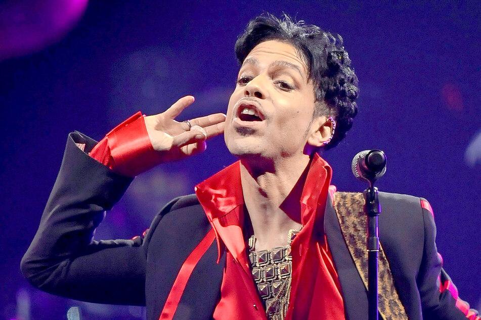 Prince veröffentlichte in fast 40 Jahren 34 Alben, die sich über 100 Millionen Mal verkauften.